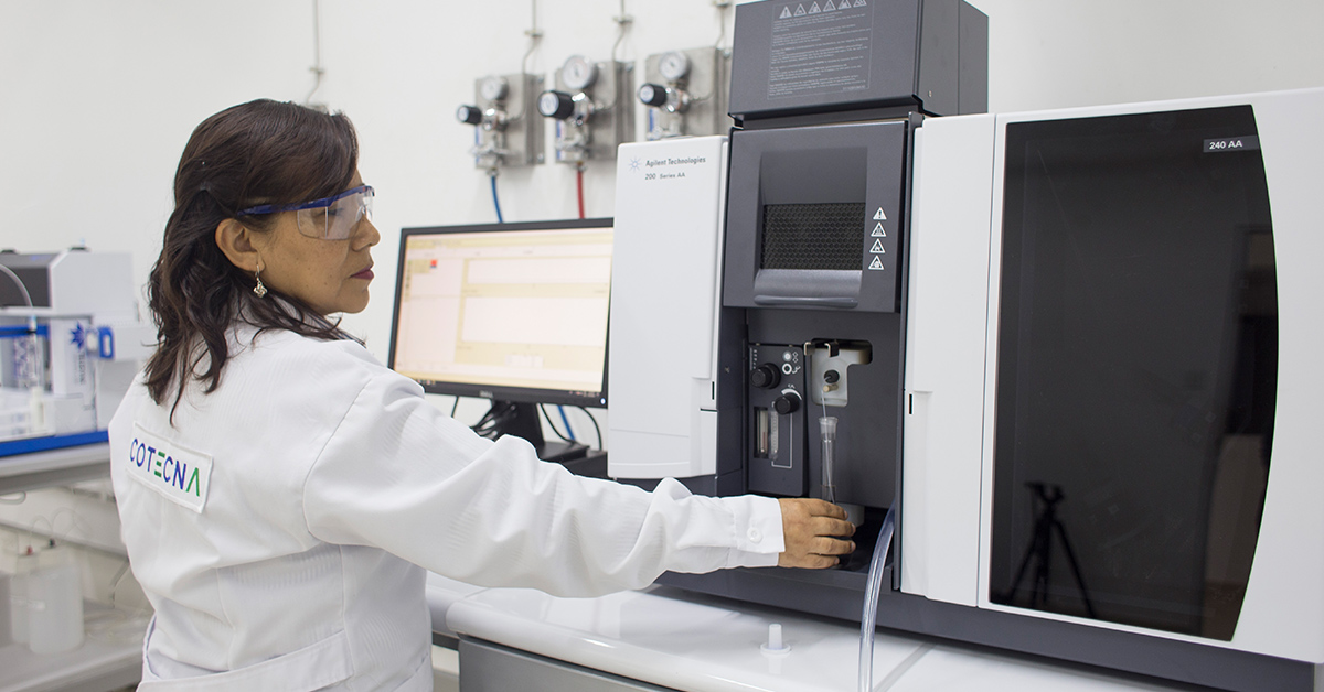 Cotecna employee working in a lab